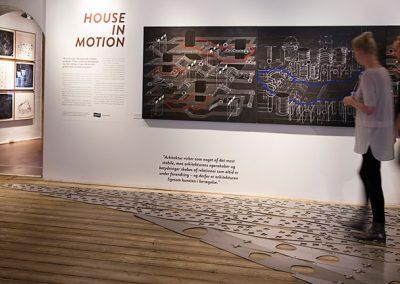 mennesker til house in motion udstillingen